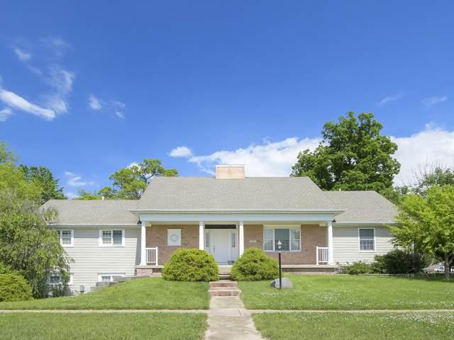 2402 Walden Woods Court, Mahomet, IL 61853 (MLS #11117645) :: Littlefield Group