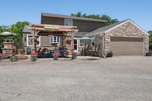 11801 120th Court, Pleasant Prairie, WI 53158 (MLS #11119848) :: Jacqui Miller Homes