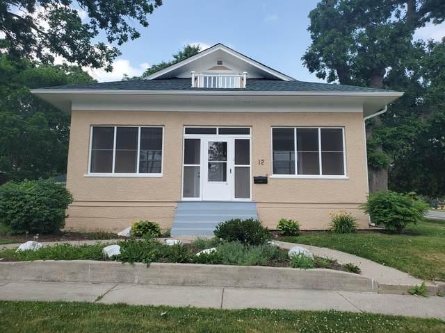 12 S Walnut Street, South Elgin, IL 60177 (MLS #11120870) :: BN Homes Group