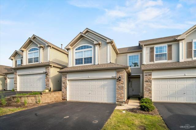 1629 Fredericksburg Lane, Aurora, IL 60503 (MLS #11121042) :: Jacqui Miller Homes