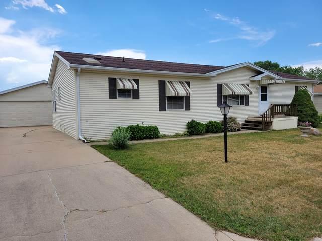 8686 Dutch Elm Court, Roscoe, IL 61073 (MLS #11121079) :: BN Homes Group