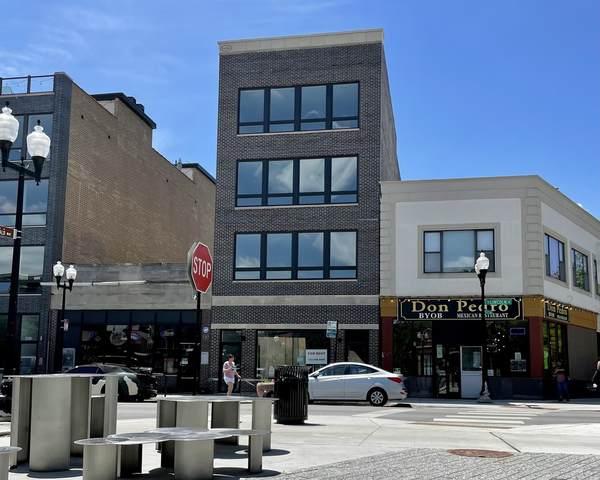 4062 N Lincoln Avenue #4, Chicago, IL 60618 (MLS #11121924) :: The Dena Furlow Team - Keller Williams Realty