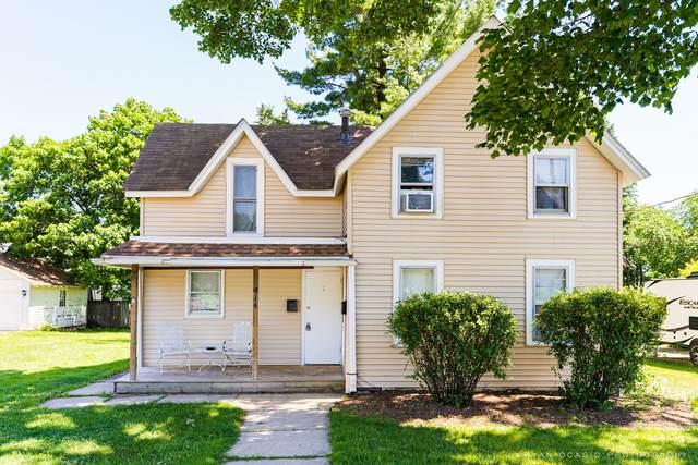 414 S Locust Street, Sycamore, IL 60178 (MLS #11122909) :: The Dena Furlow Team - Keller Williams Realty