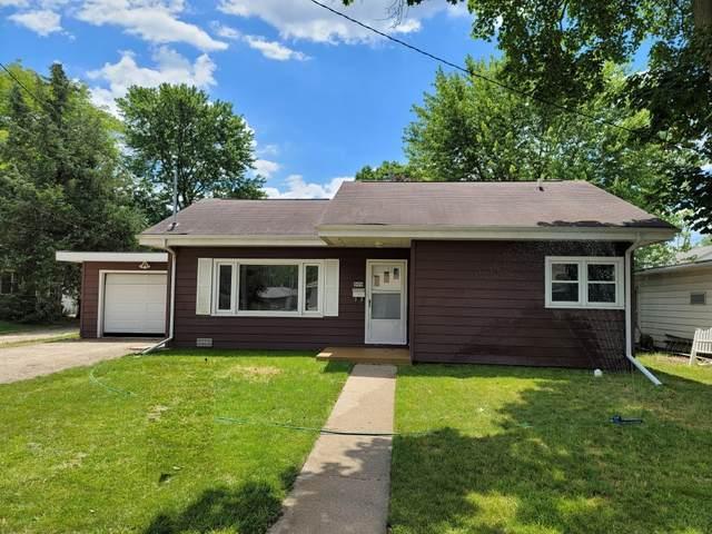 909 W 15th Street, Sterling, IL 61081 (MLS #11124099) :: Ryan Dallas Real Estate