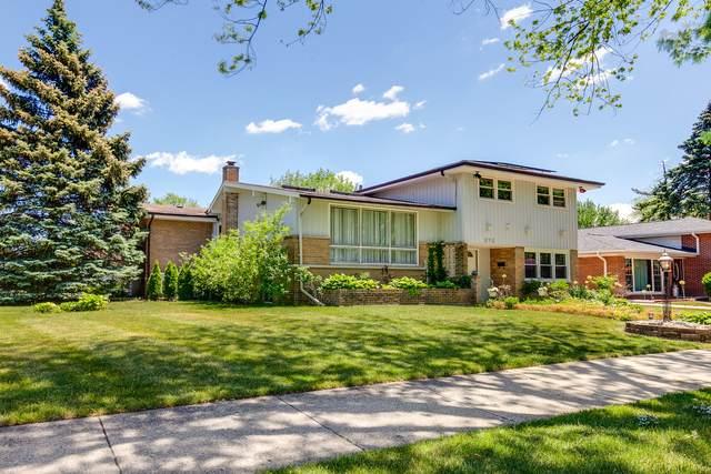 375 Wilkins Drive, Des Plaines, IL 60016 (MLS #11125254) :: BN Homes Group