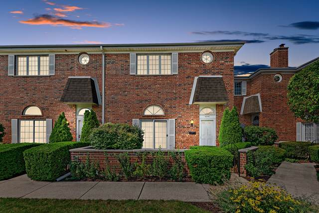 4246 W Touhy Avenue, Lincolnwood, IL 60712 (MLS #11125630) :: The Wexler Group at Keller Williams Preferred Realty
