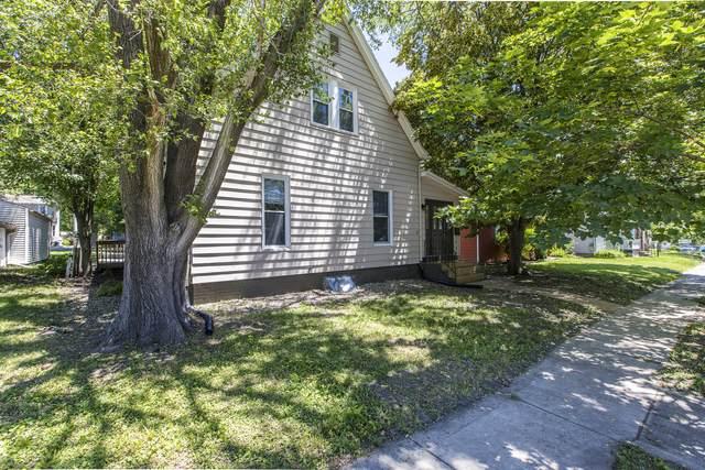 1407 N Oak Street, Bloomington, IL 61701 (MLS #11125811) :: The Wexler Group at Keller Williams Preferred Realty