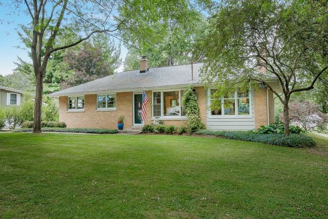 28W714 Warrenville Road, Warrenville, IL 60555 (MLS #11126470) :: Jacqui Miller Homes