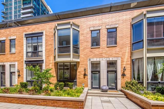 312 N Desplaines Street C, Chicago, IL 60661 (MLS #11126878) :: Jacqui Miller Homes