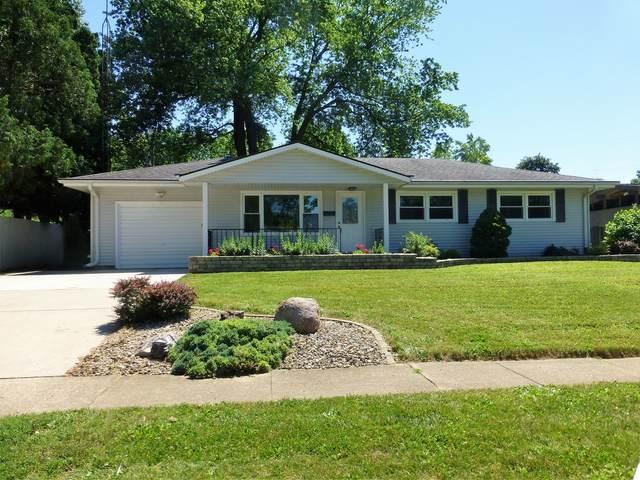 215 Hillside Lane, Bloomington, IL 61701 (MLS #11127246) :: O'Neil Property Group