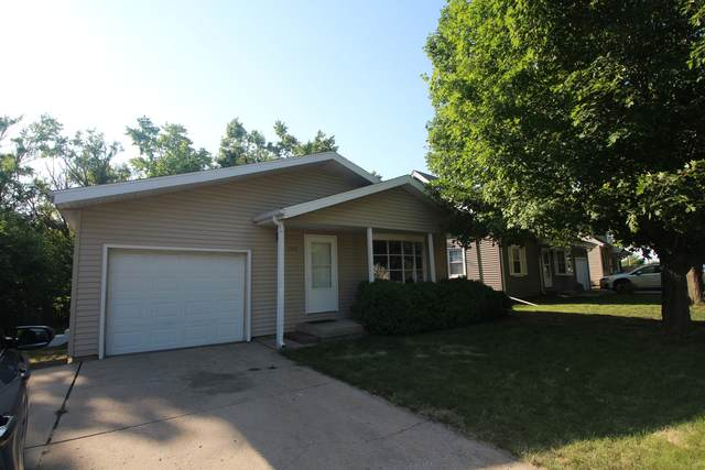 1530 N Hershey Road, Bloomington, IL 61704 (MLS #11127335) :: The Wexler Group at Keller Williams Preferred Realty
