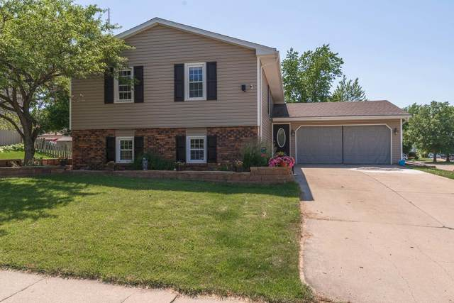 301 Goldenrod Road, Bloomington, IL 61704 (MLS #11127783) :: The Wexler Group at Keller Williams Preferred Realty