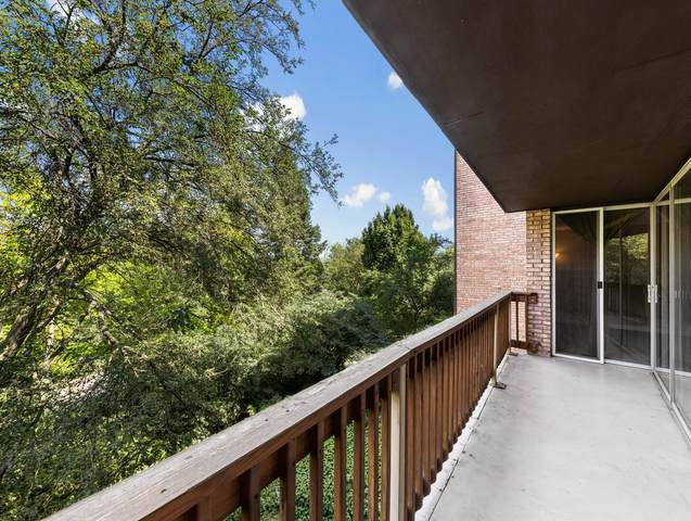 5600 Hillcrest Lane 2H, Lisle, IL 60532 (MLS #11128906) :: Lewke Partners