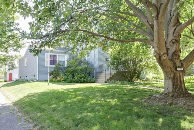 1221 E Washington Street, Bloomington, IL 61701 (MLS #11130767) :: O'Neil Property Group