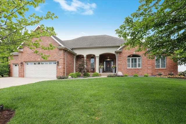 7 Lavender Lane, Bloomington, IL 61704 (MLS #11130983) :: Janet Jurich