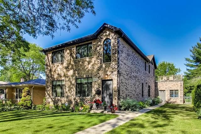8712 Ridgeway Avenue, Skokie, IL 60076 (MLS #11132584) :: John Lyons Real Estate
