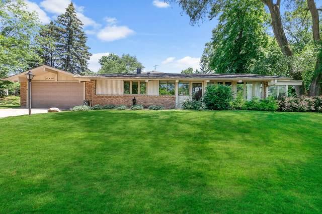 26W245 Jewell Road, Winfield, IL 60190 (MLS #11134253) :: John Lyons Real Estate