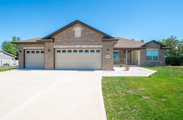 955 E Short Drive, Coal City, IL 60416 (MLS #11135459) :: John Lyons Real Estate
