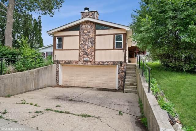 4522 W Lake Shore Drive, Wonder Lake, IL 60097 (MLS #11135776) :: Suburban Life Realty