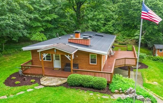 N1381 Maple Hills Drive, Fontana, WI 53125 (MLS #11138581) :: Jacqui Miller Homes