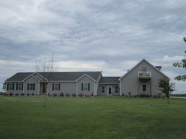 1433 E County Road 640, Tuscola, IL 61953 (MLS #11139127) :: Littlefield Group