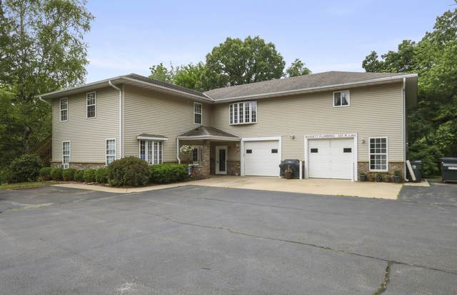 325 N Lake Avenue, Twin Lakes, WI 53181 (MLS #11139333) :: Suburban Life Realty