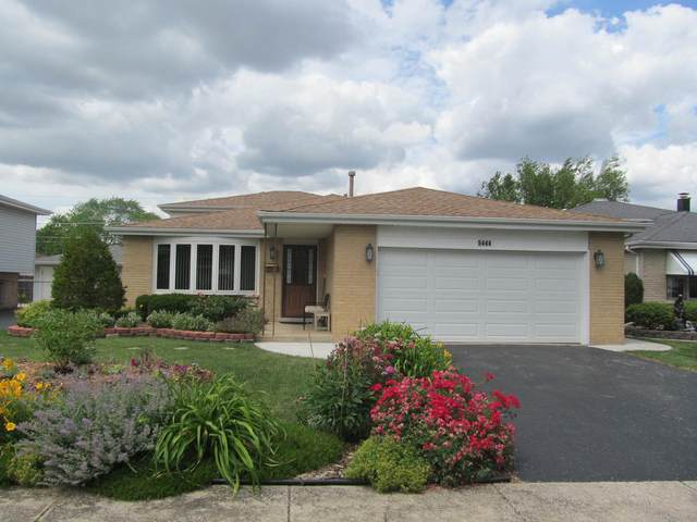 5444 138TH Place, Crestwood, IL 60418 (MLS #11141527) :: Jacqui Miller Homes