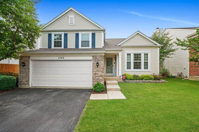 1742 Delta Drive, Aurora, IL 60503 (MLS #11142002) :: Suburban Life Realty