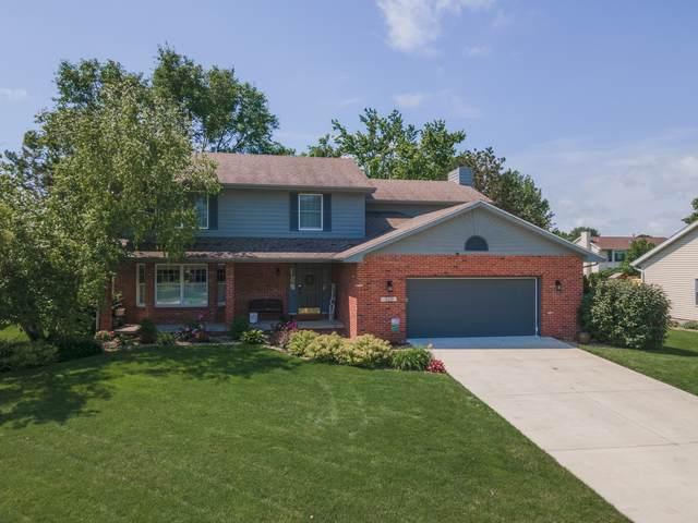 3211 Yorkshire Court, Bloomington, IL 61704 (MLS #11142153) :: Jacqui Miller Homes