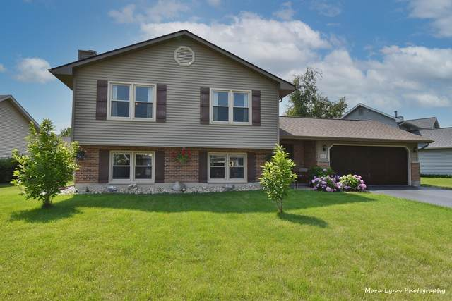 1572 John Street, Sycamore, IL 60178 (MLS #11144456) :: Jacqui Miller Homes