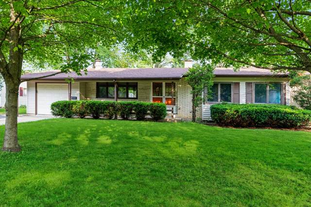 686 Nottingham Lane, Crystal Lake, IL 60014 (MLS #11144495) :: O'Neil Property Group