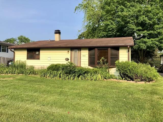 1243 Navajo Drive, Carpentersville, IL 60110 (MLS #11144875) :: Jacqui Miller Homes