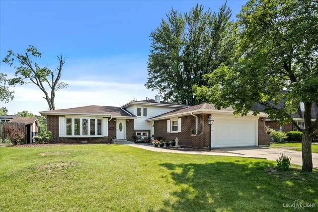 18W121 Holly Avenue, Darien, IL 60561 (MLS #11147309) :: Suburban Life Realty