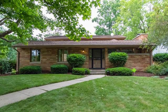 1002 E Jefferson Street, Bloomington, IL 61701 (MLS #11149555) :: Suburban Life Realty