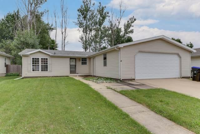 8 Geneva Court, Bloomington, IL 61704 (MLS #11149917) :: O'Neil Property Group