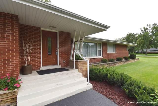 51 Twin Oaks Drive, Oak Brook, IL 60523 (MLS #11150319) :: Littlefield Group