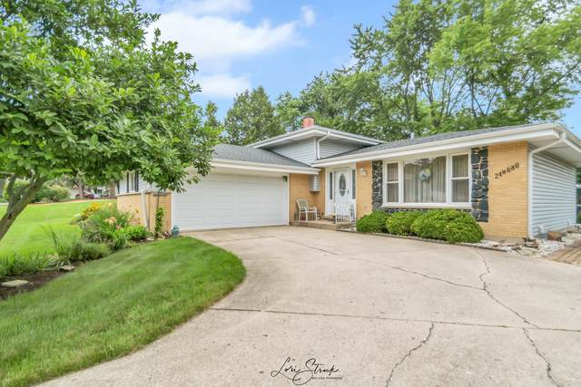 24W680 Lakewood Drive, Naperville, IL 60540 (MLS #11150830) :: Suburban Life Realty