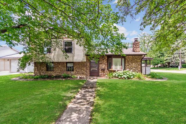 400 Warren Avenue, Normal, IL 61761 (MLS #11150913) :: Jacqui Miller Homes