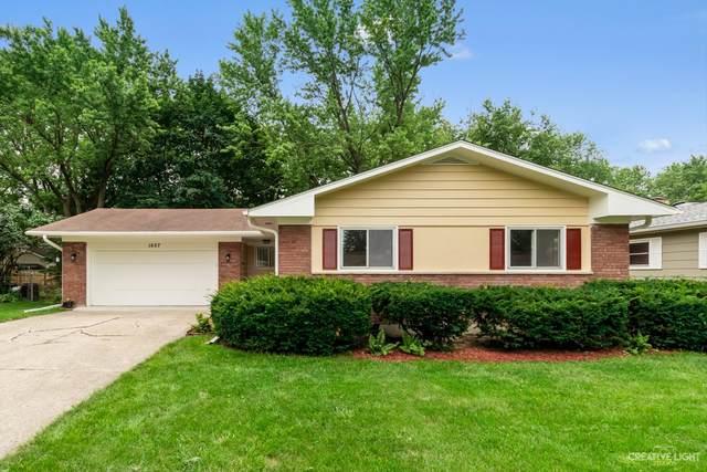 1607 Martha Drive, Elgin, IL 60123 (MLS #11152288) :: Jacqui Miller Homes