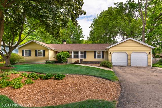 6908 Hillcrest Drive, Crystal Lake, IL 60012 (MLS #11153111) :: Suburban Life Realty