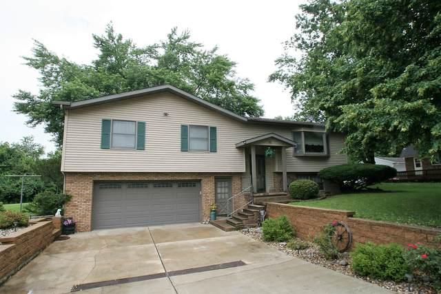 10 Carlton Drive, Mackinaw, IL 61755 (MLS #11154449) :: Suburban Life Realty