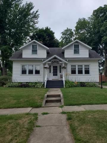 1523 W Logan Street, Freeport, IL 61032 (MLS #11154517) :: Suburban Life Realty
