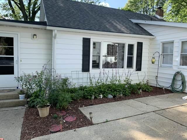 1344 W Fairview Road, Freeport, IL 61032 (MLS #11157232) :: Suburban Life Realty