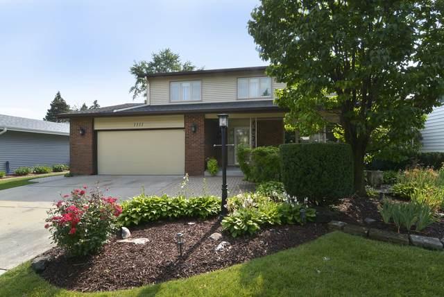 1111 S Cherrywood Drive, Mount Prospect, IL 60056 (MLS #11160260) :: Suburban Life Realty