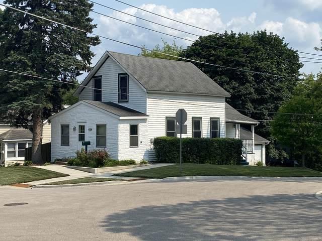 325 E Lincoln Avenue, Barrington, IL 60010 (MLS #11162735) :: Suburban Life Realty