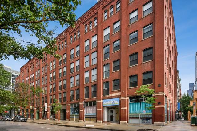 225 W Huron Street #207, Chicago, IL 60654 (MLS #11164727) :: Lux Home Chicago