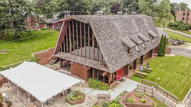834 S Jackson Street, Mt. Carroll, IL 61053 (MLS #11165492) :: John Lyons Real Estate