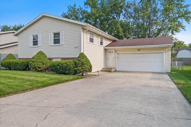 1819 Johnson Drive, Normal, IL 61761 (MLS #11165680) :: Suburban Life Realty
