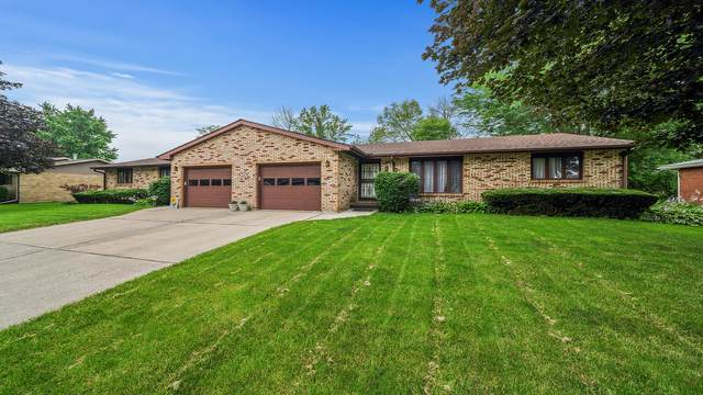 1242 Sunnymeade Drive, Rochelle, IL 61068 (MLS #11166429) :: Jacqui Miller Homes