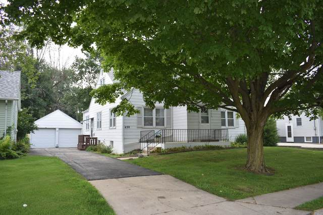 430 N 2nd Street, Cissna Park, IL 60924 (MLS #11166544) :: The Wexler Group at Keller Williams Preferred Realty